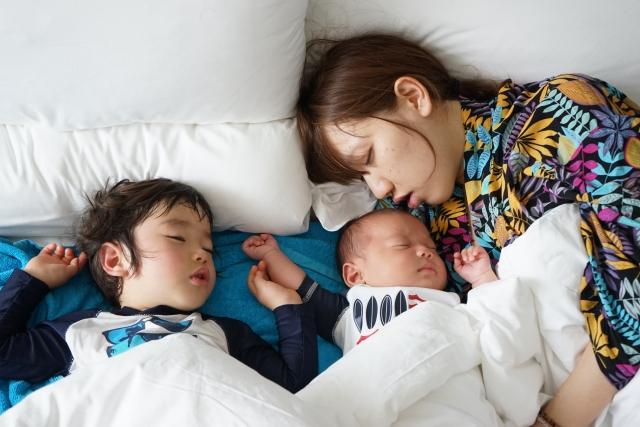 二人育児の大変な時期を乗り切るコツ!お風呂や寝かしつけの方法