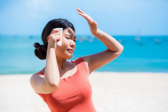 暑い夏、保冷剤で体のどこを冷やせば涼しくなるの?