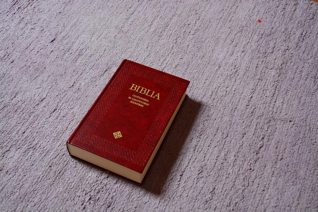 ホテルに聖書はなぜ置いてあるの?持って帰っていいの?