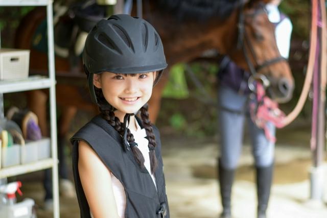 子供の習い事で乗馬を習う費用とメリット